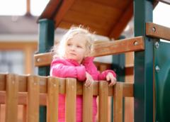 Z jakich elementów można zbudować plac zabaw?